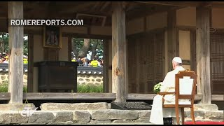 Pope Francis prays at the shrine where the first Korean priest was born | Pope