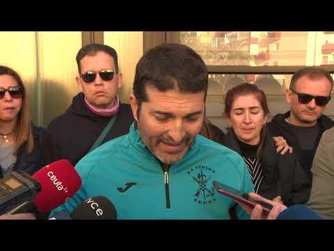 El claustro el Colegio Ciudad de Ceuta se ha concentrado en apoyo a la inocencia de su compañero