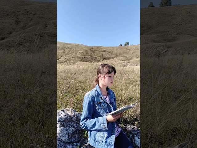 Изображение предпросмотра прочтения – ЛяйляНабиуллина читает произведение «Горы» (Карим Мустай)