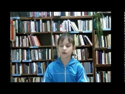 Изображение предпросмотра прочтения – ВикторияЧернявская читает произведение «Что такое хорошо и что такое плохо» В.В.Маяковского