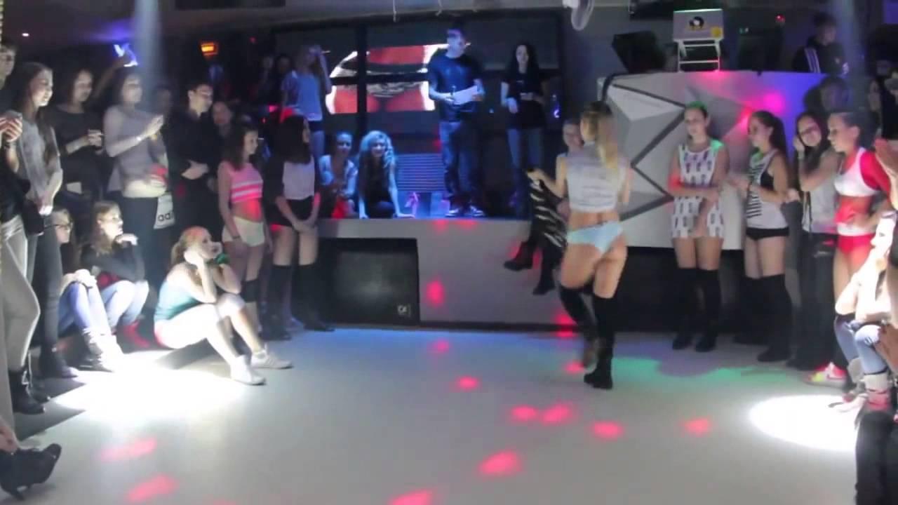 Танцы жопай в стрептиз клубе фото 777-981