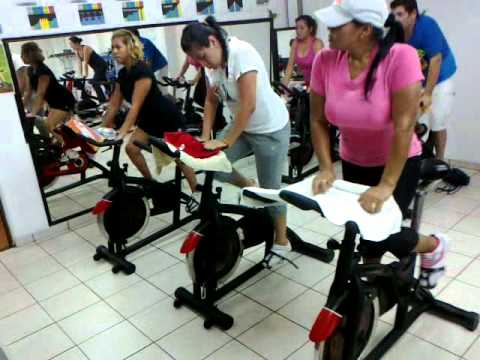 Clases de spinning con la miss faby spincycling and gym 7 for Clases de spinning