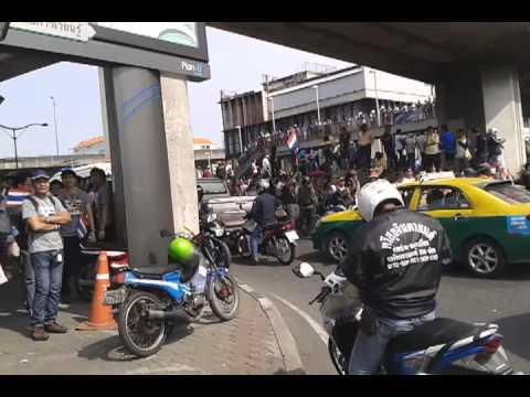 Shut Down Bangkok 2013 : วิกฤติการเมืองไทย การเดินขบวน ต่อต้านรัฐบาล ปี 2556