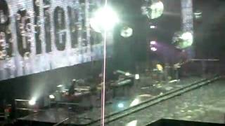 closing song at american idols tour concert, Oakland