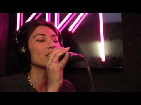 """Tei Shi """"Heart Shaped Birthmark"""" Live @ Viva Radio Me + You 140"""