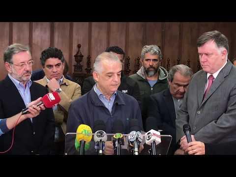 Márcio França abre diálogo com caminhoneiros para liberar estradas