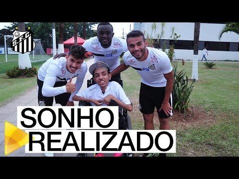 Leozinho realiza sonho e visita o CT Rei Pelé | #MUITOALÉMDOFUTEBOL
