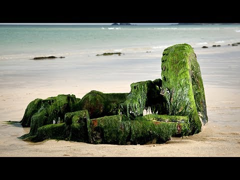 Land Rover emerges from Cornish beach 30 years after sinking