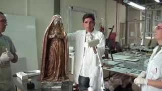 Neste vídeo os restauradores explicam as técnicas e os métodos usad...