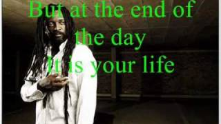 Lucky Dube Good Things (with lyrics)