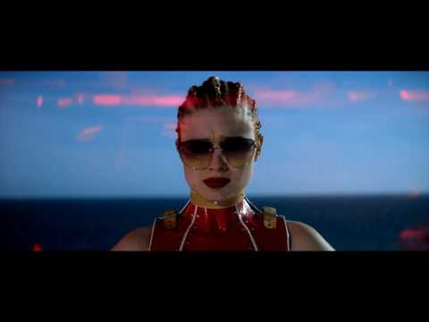 The Neon Demon - On Surrealism, Symbolism, and the Semblance of Depth (Review + Analysis)