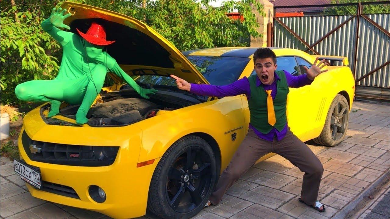Green Man on Corvette VS Mr. Joe in Car Shop & Colored Man in Trunk