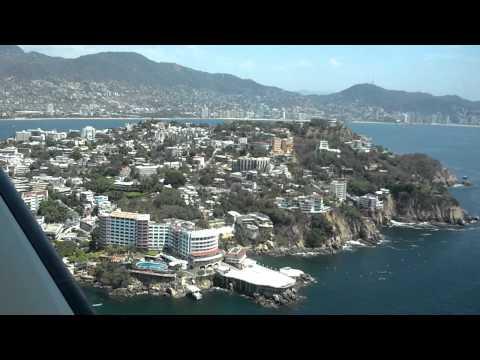 Espectacular Vista Aérea del Acapulco tradicional