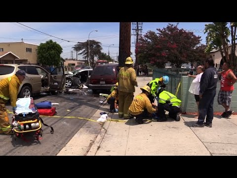 Two Car Traffic Collision / Bell  RAW FOOTAGE