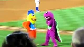 Best Mascot Fight Ever (VERY FUNNY)