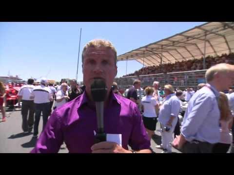 Funny: F1 Cameraman checks out hot women!