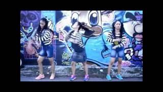 Video Buka-bukaan - Barakatak (Cover by Kembar and Friends) download MP3, 3GP, MP4, WEBM, AVI, FLV Juli 2018