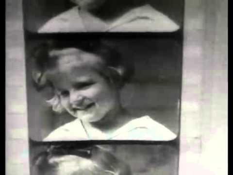 El hombre con la cámara (1929) Música El Sagrado Familión