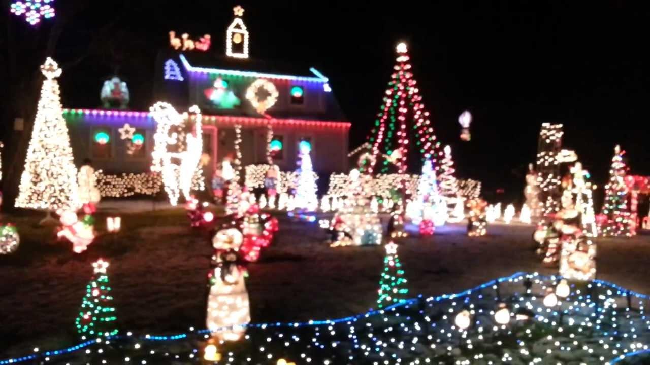 South Windsor's Winter Wonderland - YouTube
