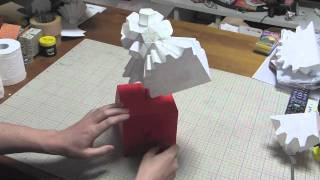 Making a cube and a heart from paper gears