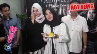 Video Hot News! Acara Anniversary Tiffany Kenanga Butik Penuh Kebahagiaan - Cumicam 13 April 2018 download MP3, 3GP, MP4, WEBM, AVI, FLV Oktober 2018
