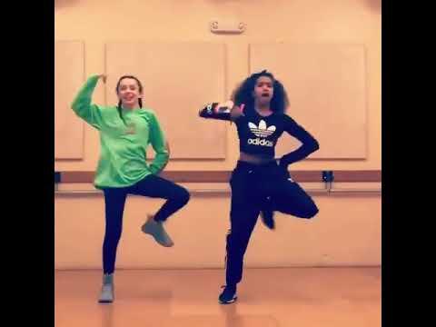 Girls DanceOn 02 @MusicalOmens @SocAndDocShow