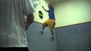 Holland Basketball Dunks