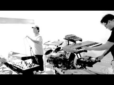 ELEMENTO 3.0 - DIOSA (Garage Live Version).