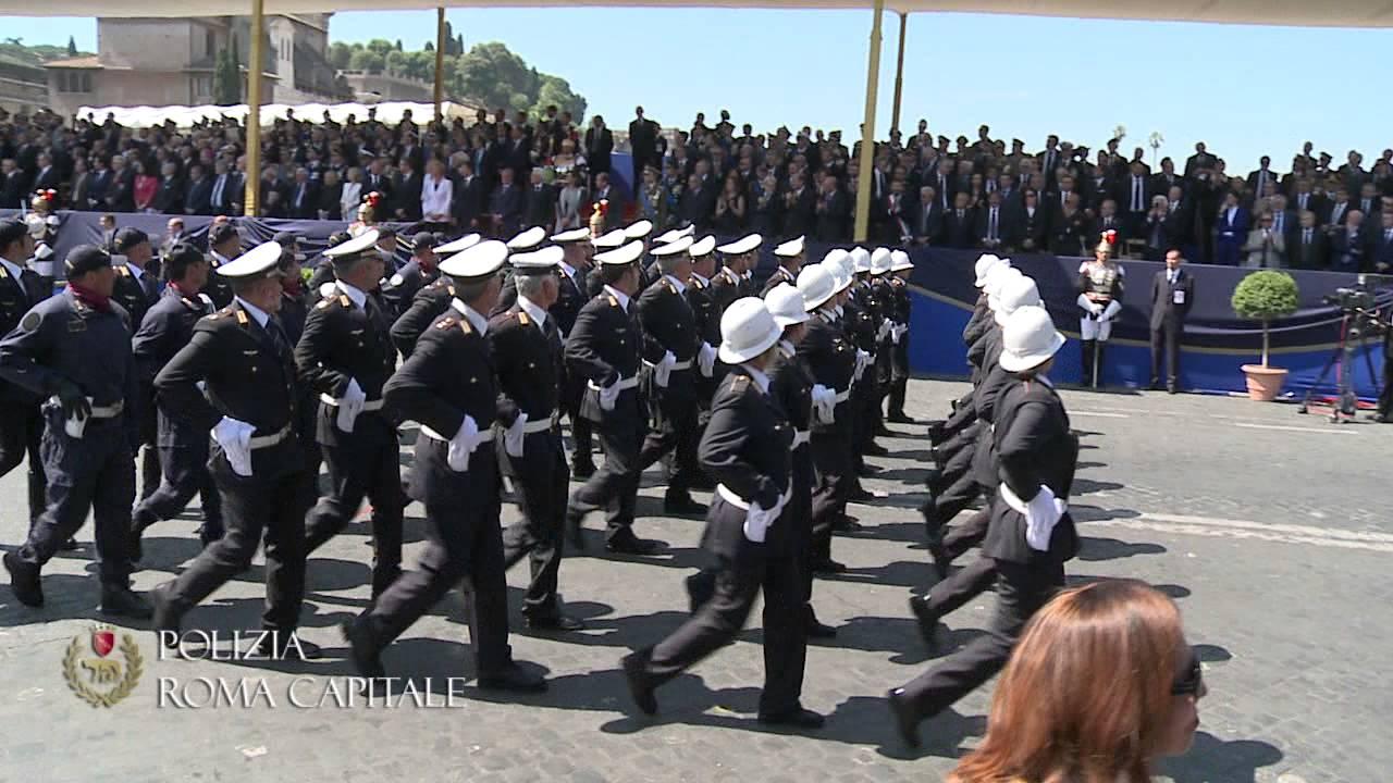 La polizia di roma capitale alla festa della repubblica for Polizia di stato roma permesso di soggiorno