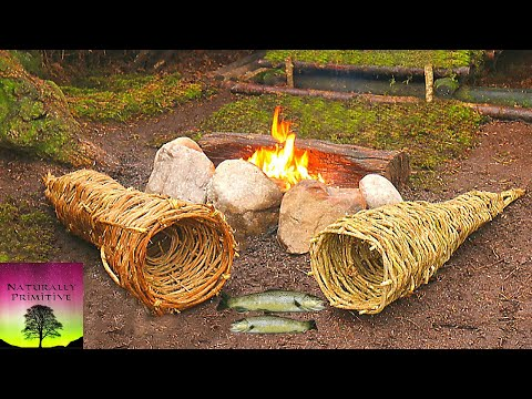 TRAPS & TRANQUILLITY - Weaving A Fish Trap And Catching Fish