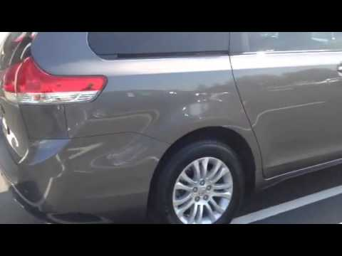 2014 Toyota Sienna XLE Review