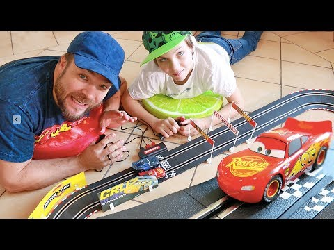 RACING DISNEY'S CARS 3 ? CARRERA GO !!!