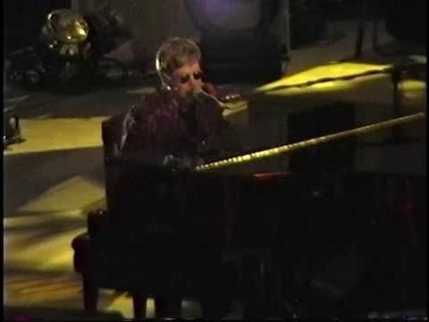 Elton John - (Madison Square Garden) New York City 10.21.00 (Part 1)