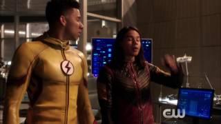 The Flash season 3 episode 17 sneak peek | Flash & Supergirl musical crossover