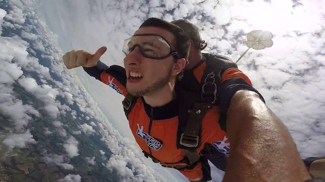 Salto de Paraquedas do Gabriel na Queda Livre Paraquedismo 07 01 2017