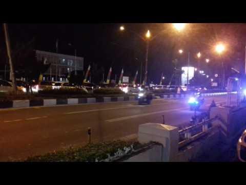 Jalan disebelah macet. Ketika rombongan Pak Jokowi melintas jalan Cilik Riwut Palangkaraya.