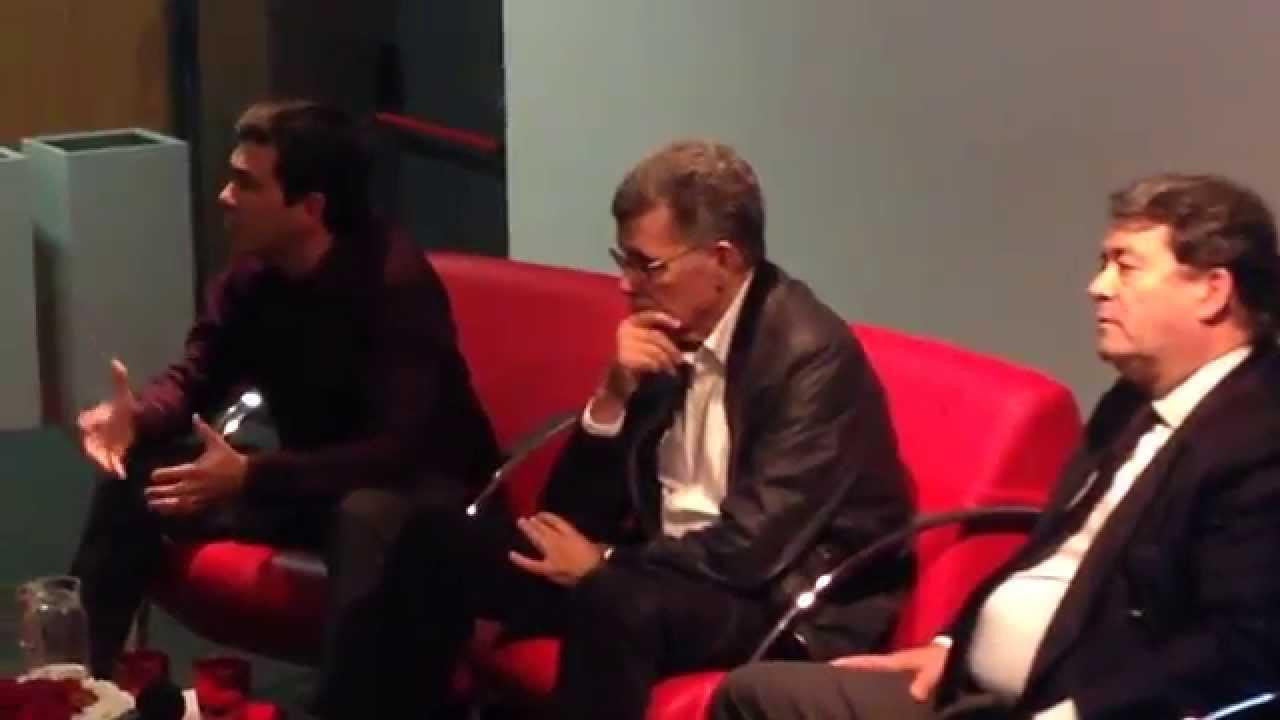 Marinho e Pinto esteve em Massamá com sala completamente cheia para participar na Conferencia organizada pelo Movimento Sintrenses com Marco Almeida. O orador...