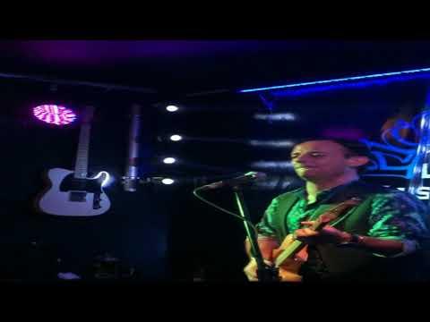 I shot the Sherriff.Steve Delaney.Live Music.Steven Delaney.Guitarist.Singer