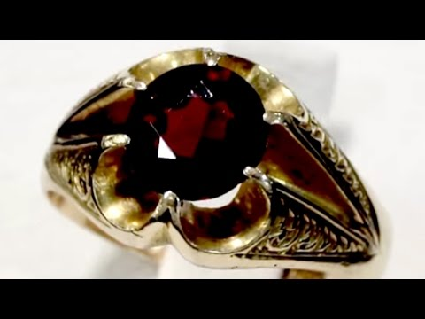 1.52 ct Garnet and 18 ct Yellow Gold Ring - Antique 1916 A5281