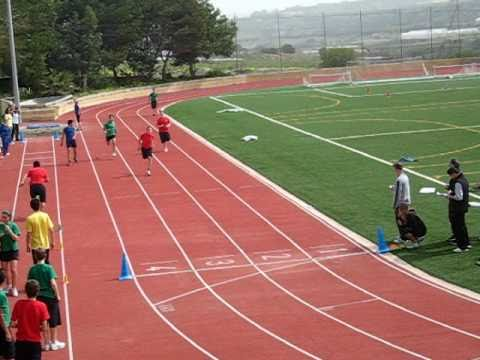 13 year old runs 200m in 27 seconds