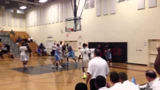 Andrew Wiggins alley-oop 2 handed dunk