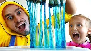 Nastya y papá Making Slime con divertido globos  | Satisfactorio Slime vídeo
