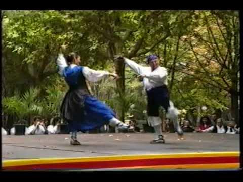 Pablo Luis Maza e hija bailan La Jota De Calanda