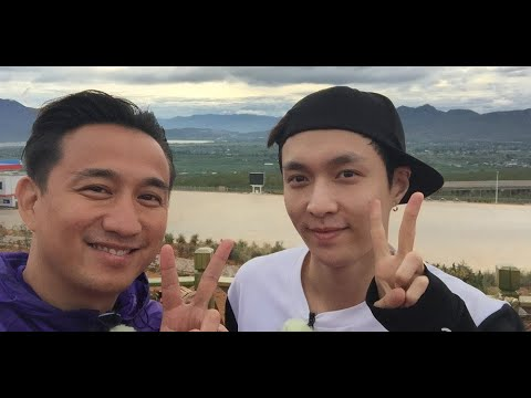 Lay responds to his fans' interaction with Chinese actor Huang Lei