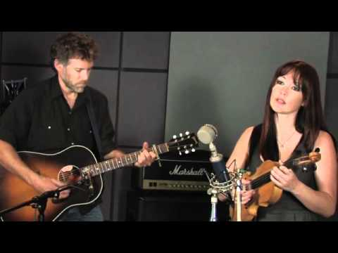 Amanda Shires - When You Need a Train It Never Comes (Last.fm Sessions)