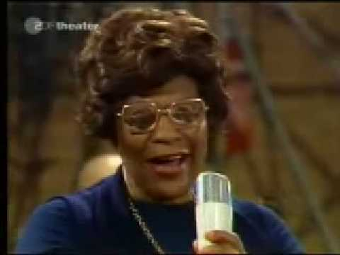 Ella Fitzgerald  It Dont Mean a thing If it aint got that swing 1974