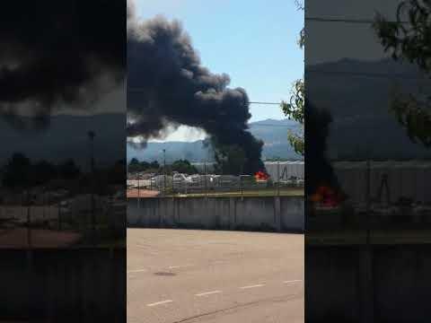 Incendio en una nave industrial de O Porriño