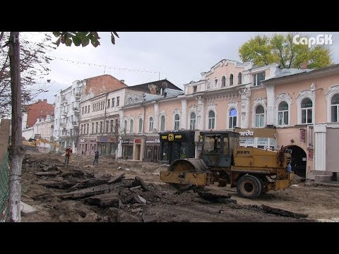 Снос деревьев обнажил разрушающиеся фасады на проспекте Кирова