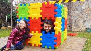 Dad and Öykü having Fun in Pretend Play Colorful magic box - Funny Oyuncak Avı