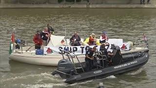 Французская полиция не дала «Флотилии свободы» причалить в Париже